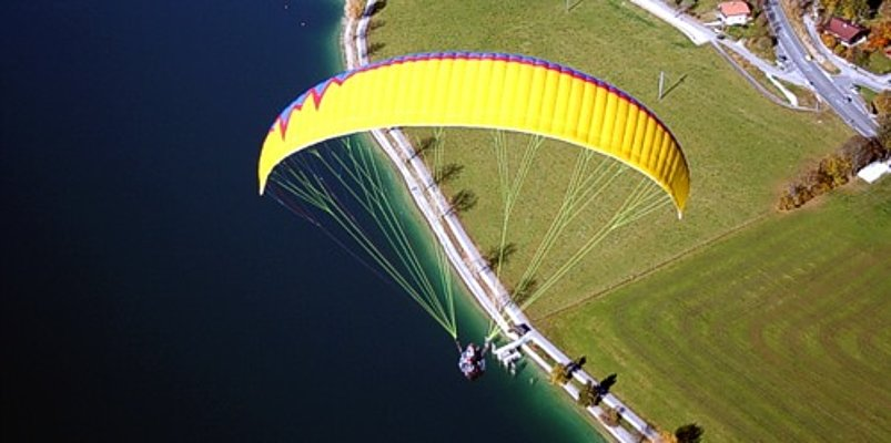 Flying fun for two – with the JAMBOO over the Achensee, Austria.